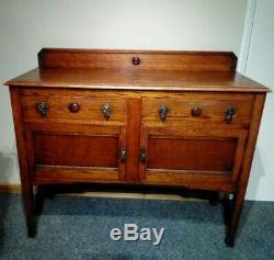 Antique Art And Crafts Compact Oak Sideboard. Stylish Golden Oak