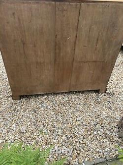 Antique oak chest of drawers Arts And Crafts