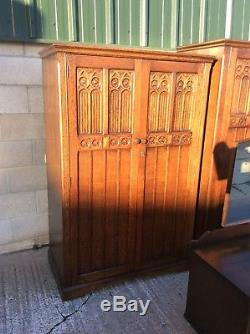 Arts And Crafts Oak Bedroom Suite. Free deliveryplease read details