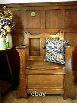 Arts and Crafts Settle Pew Bench Circa 1900 Antique Settle STORAGE in SEAT
