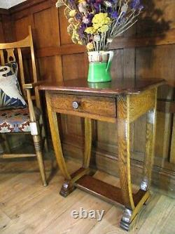 Arts and Crafts Table in Oak Circa 1900. Antique Console / Hall / Side Table