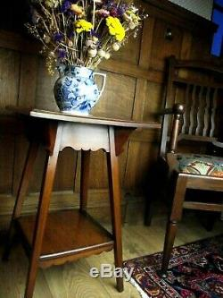 Arts and Crafts Table in Walnut Circa 1900 Arts and Crafts Side Table
