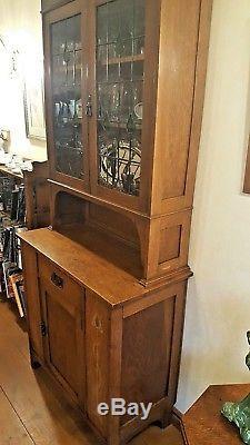 Beautiful inlaid Arts and Crafts / Art Nouveau oak display cabinet / buffet