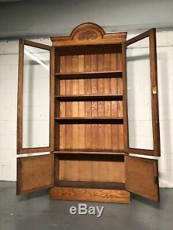 Early 20th Century Arts And Crafts Oak Bookcase On Cupboard