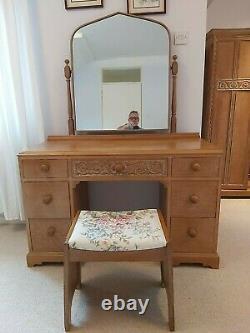 Heathland' Arts and Crafts Limed Oak Bedroom Suite