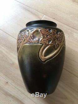 Roseville Pottery Vase Rosecraft Arts and Craft Grapes, Leaves, Vines Antique