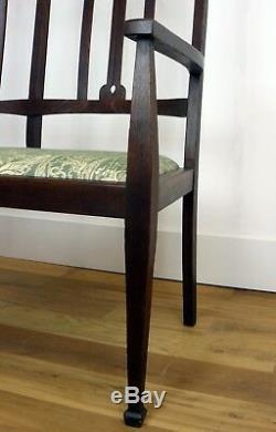 Splendid Oak Arts and Crafts Hall Bench Settle