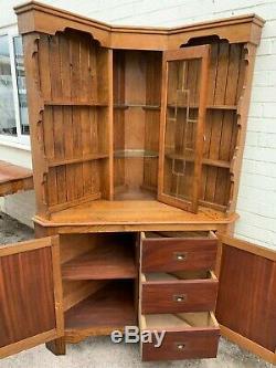 Top Quality Solid Oak Arts And Crafts Glazed Corner Cabinet
