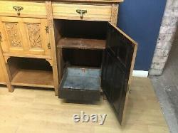 Very decorative quality oak Arts and Crafts sideboard circa 1910